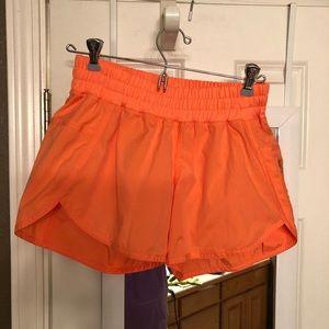 Lululemon Tracker Shorts sz 6